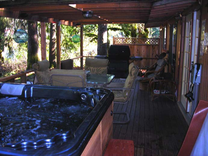Riverfront deck Sky Beach Cabin